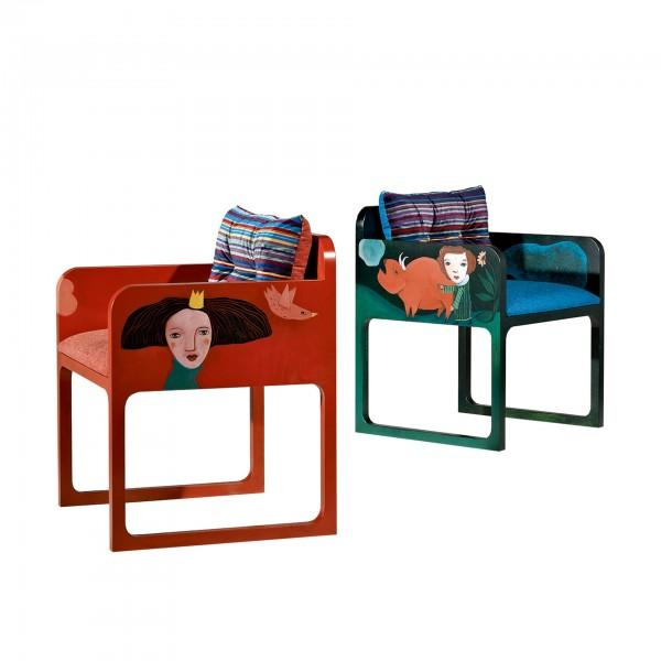 Cadeiras Sonhar Azul e Sonhar Laranja com intervenção artística por Evelina Oliveira